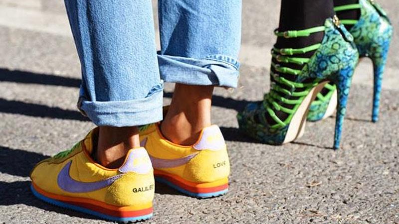 آیا کفش اسپرت بهتر است یا مجلسی ؟